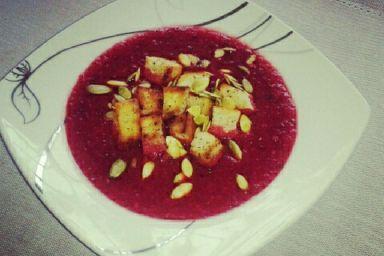 Zupa krem z batata i grzybów suszonych