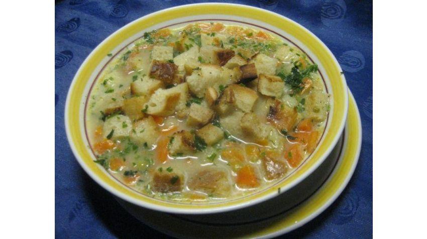 Zupa koperkowa na żeberkach wieprzowych