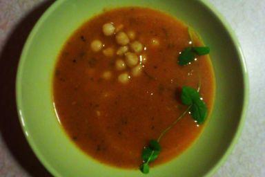Pomidorowy krem z brzoskwinią