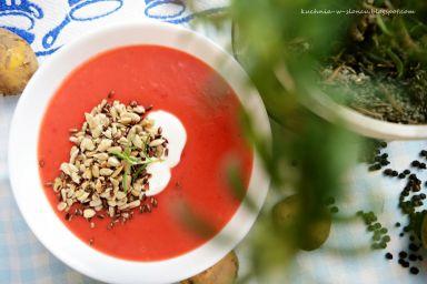 Lekki krem z młodych warzyw korzeniowych z rozmarynem