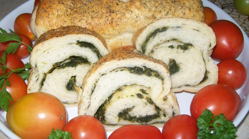Aromatyczny chlebek ze szpinakiem