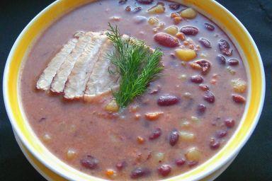 Zupa z czrwonej fasoli