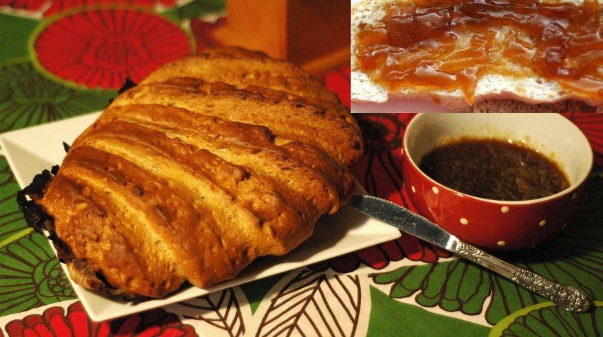 Chleb grzebyk na liściach kapusty z konfiturą cebulową
