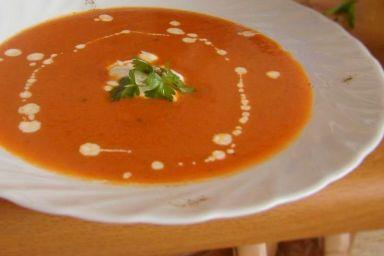 Krem pomidorowy z kardamonem i cynamonem