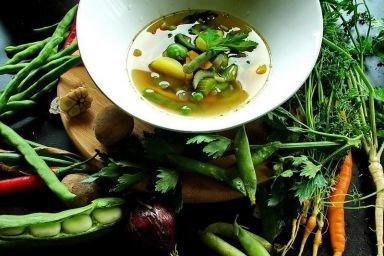 Letnia zupa z odrobiną pikanterii