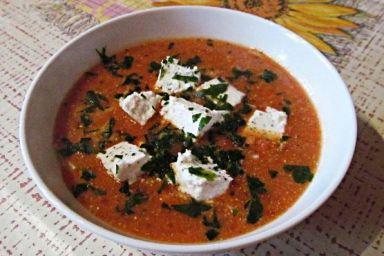 Zupa pomidorowa z serem feta