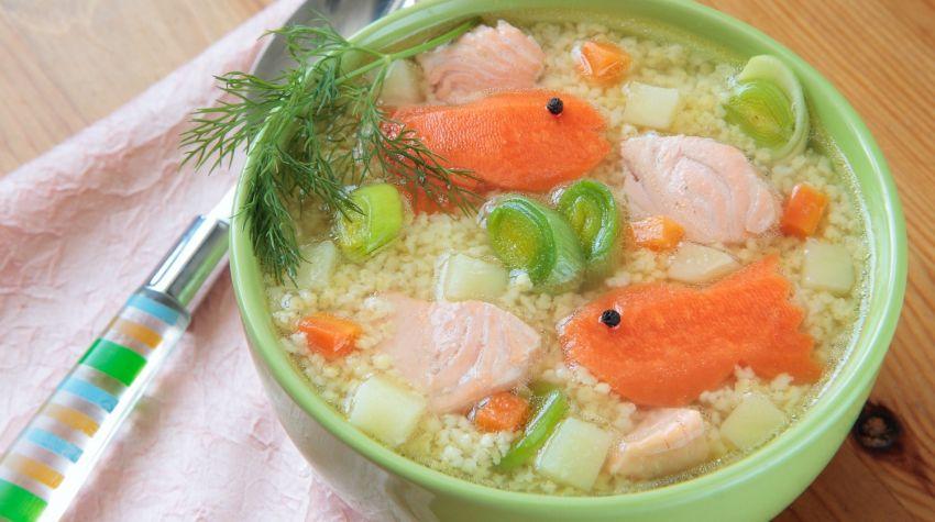 Kasza jaglana z łososiem i warzywami