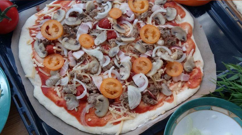Pełnoziarnista pizza typu neapolitańskiego