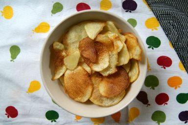Zdrowe domowe chipsy ziemniaczane