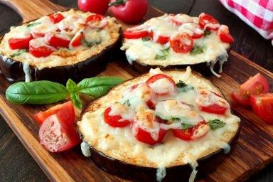Mini pizze z papryki i bakłażana