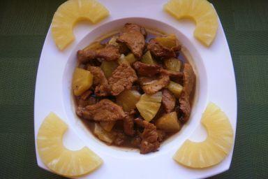 Wołowina z ananasem