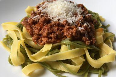 Tradycyjny sos boloński