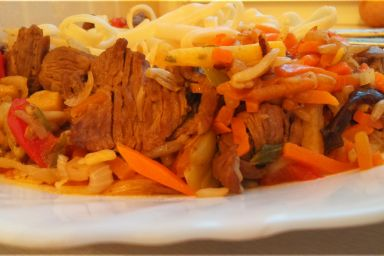 Wołowina z warzywami po chińsku