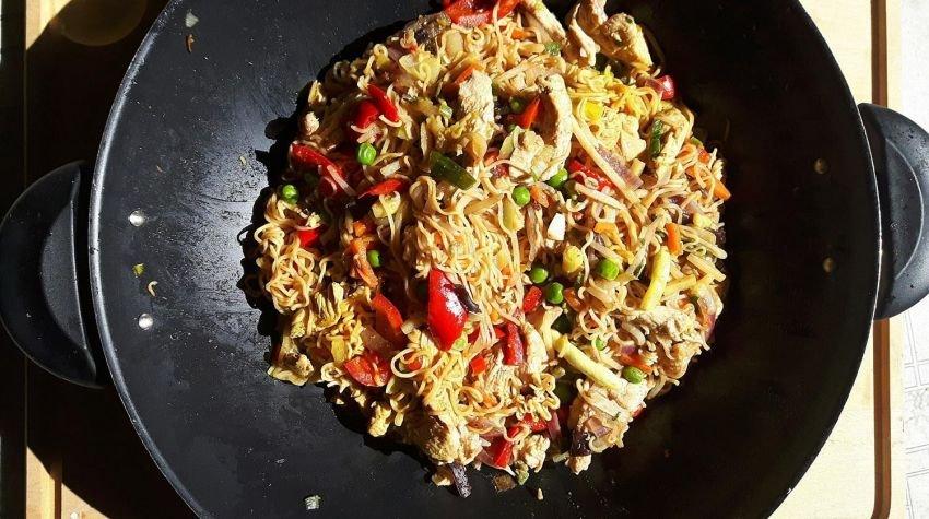 Domowa chińszczyzna z kurczakiem