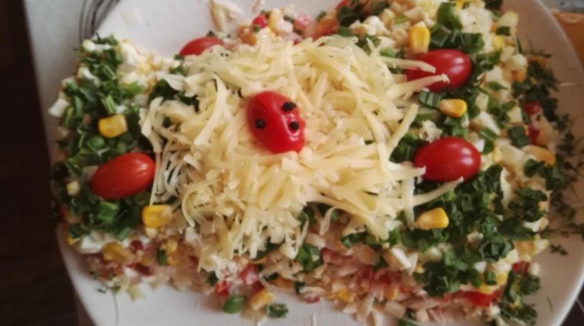 Sałatka makaronowo - warzywna