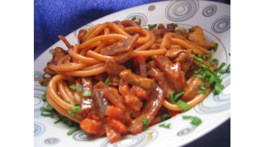 Bucatini z warzywami