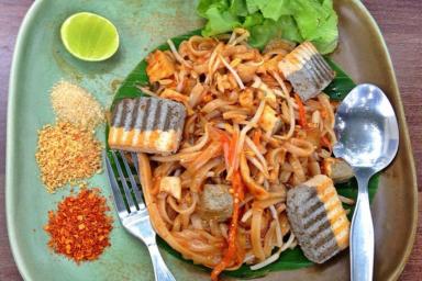 Wegetariańskie Pad thai z tofu