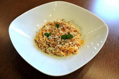 Spaghetti po neapolitańsku