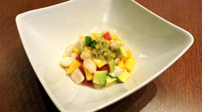 Egzotyczna sałatka z dorsza (ceviche)