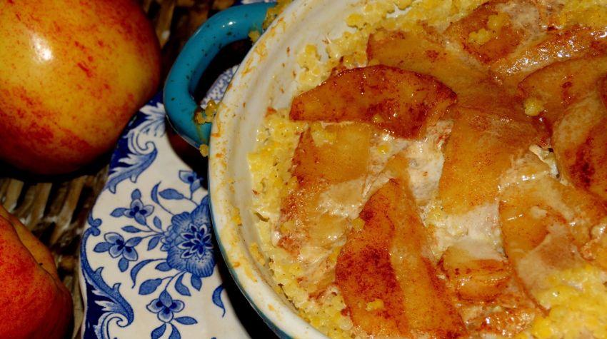 Zapiekana kasza jaglana a jabłkami i cynamonem