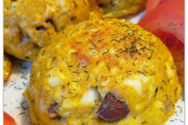 Kotlety jajeczne z tuńczykiem i orzechami