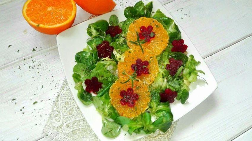 Sałatka z pomarańczy i buraków