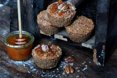 Muffiny z kaszy jaglanej z płatkami owsianymi, jabłkami i bananami
