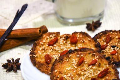 Ciasteczka jaglane z sezamem i jagodami Goji
