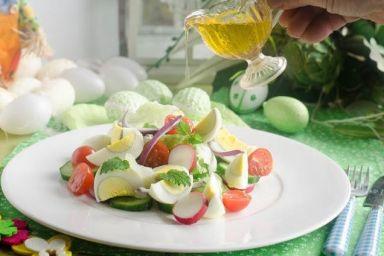 Sałatka z jajkiem i warzywami
