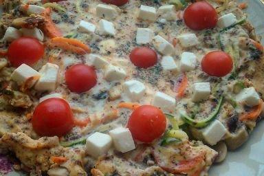 Omlet z warzywami i serem feta