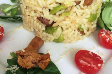Risotto z kurkami, bobem i serem wędzonym
