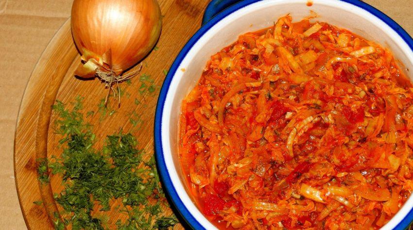 Kapusta pekińska w pomidorach