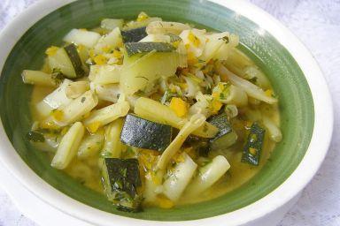 Na maśle cukiniowo-fasolkowa zupa