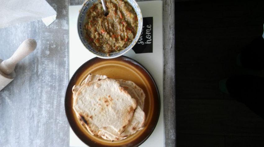 Domowe tortille z niebiańskim guacamole