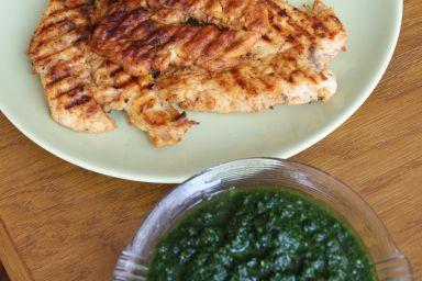 Grillowany kurczak i pesto z jarmużu