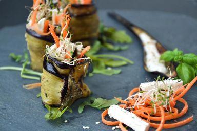 Bakłażanowe rollsy z komosą i amarantusem