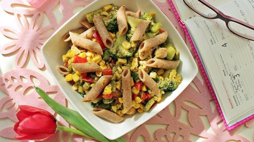 Bomba witaminowa - penne z kurczakiem i warzywami
