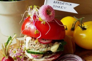 Burger cielęcy w pomidorze