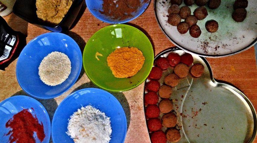 Wegańskie zdrowe pralinki - bez cukru, glutenu i laktozy