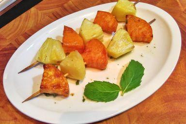 Szaszłyki z batatów i ananasa