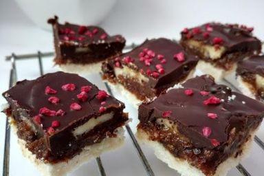 Fit ciacho daktylowo-czekoladowe