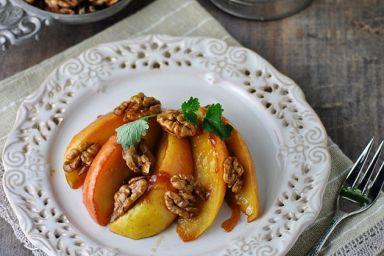 Jabłka karmelizowane w miodzie rozmarynowym