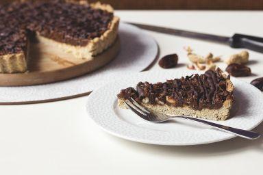 Tarta karmelowo - orzechowa
