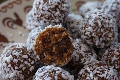 Kuleczki orzechowo-daktylowe (bez cukru, glutenu i pieczenia)