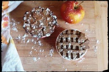 Wegański jabłecznik z cynamonem
