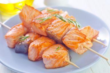 Szaszłyki z łososiem