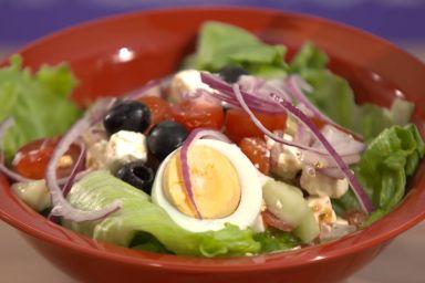 Sałatka grecka z jajkami