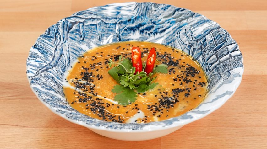 Zupa krem z pieczonej dyni z imbirem na sposób hinduski od Vienia