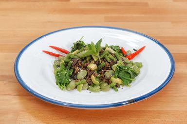 Frikowa sałatka z dzikiego ryżu i zielonych różności od Vienia