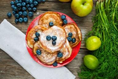 FIT ŚNIADANIE: Placuszki jabłkowe
